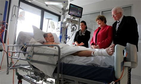 Wollongong Hospital's new intensive care unit gets thumbs