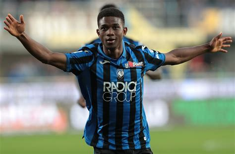 Amad Diallo: Manchester United confirm €41m transfer of