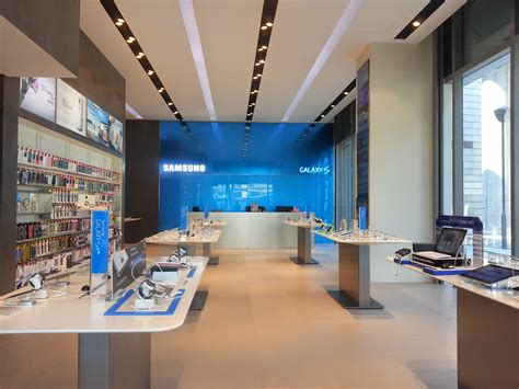 Samsung Opens Largest Samsung Experience Store at Westgate