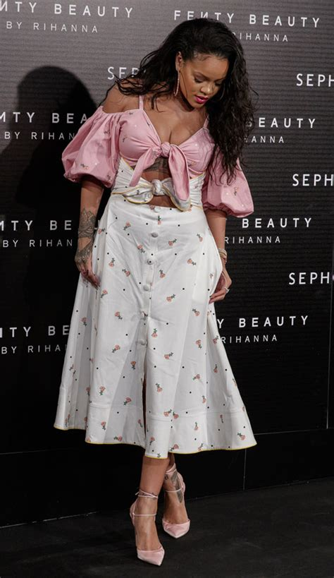 """Rihanna Loses Us at the """"Fenty Beauty"""" Launch in Madrid"""