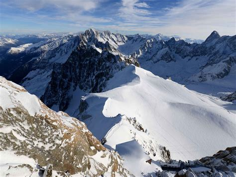 French Alps avalanche: Seven climbers dead in Hautes-Alpes